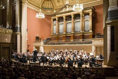 Naše studentky si zahrály s Českou filharmonií