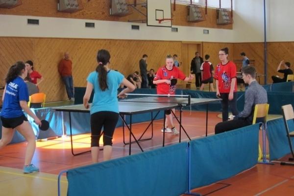 Krajské kolo stolní tenis:  Naše dívky těsně pod stupněm vítězů