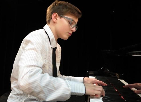 Krajské kolo soutěže ve hře na klavír: Cvrkalová Amélie (V. kategorie) – 3. místo , Važan Michael (V. kategorie) – 2. místo