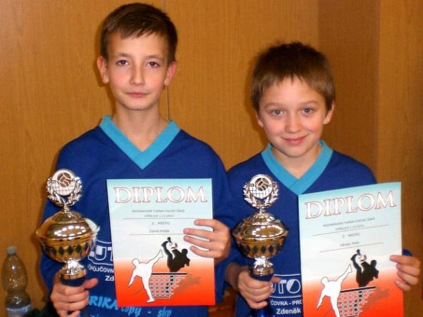 Studují na gymnáziu: David Polák, 2.ročník,  úspěšný nohejbalista