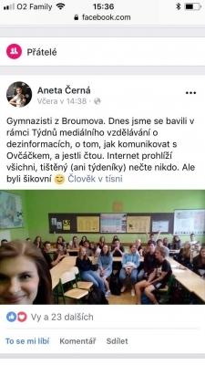 Na diskuzi s 1.A a kvintou přijela Aneta Černá - novinářka a moderátorka pracující  pro Český rozhlas a INFO.CZ.