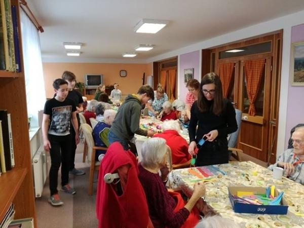 Petr Štěpnička: Terciáni zpestřili dopoledne seniorům