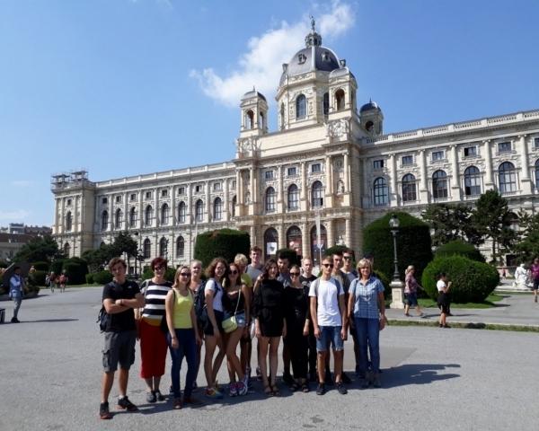 Zářijový výlet oktávy: Mikulov, Perná, Vídeň...