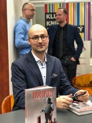 Spisovatel Martin Klusoň je autorem úspěšné knihy Prasopolis