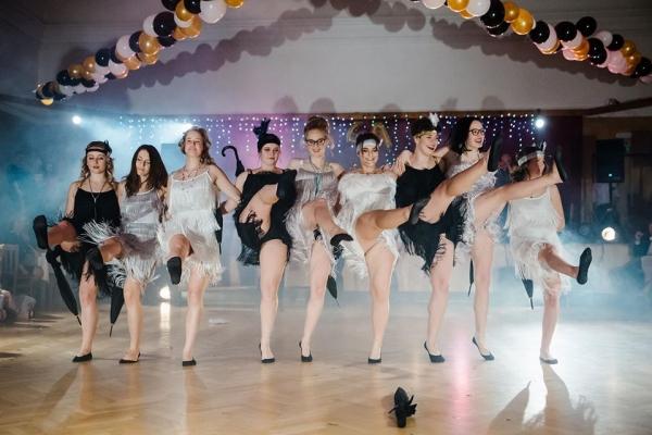 Maturitní ples 4.A: Oficiální fotografie na školním facebooku