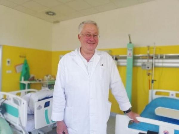Významní absolventi: MUDr. Miroslav Švábl, lékař
