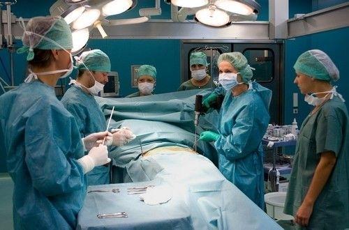Víte, že náš absolvent Jaroslav Kotlant byl střihačem seriálu Nemocnice na kraji města?
