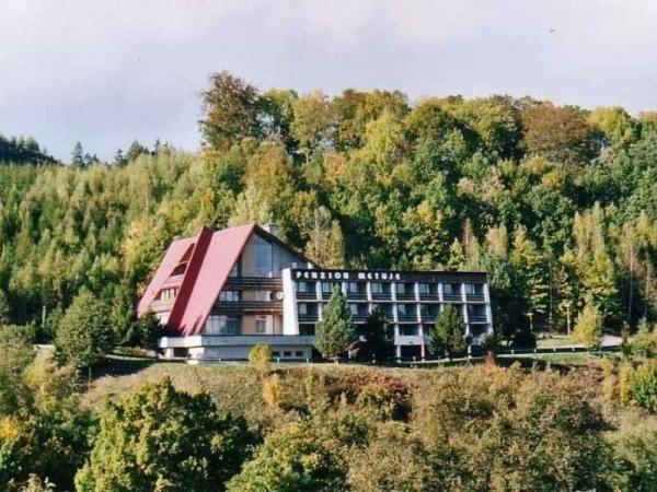 Sdělení pro primu a 1.ročník: Seznamovací kurz se bude konat 7. a 8.září v Teplicích nad Metují