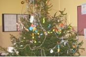 Školní stromeček s betlémem