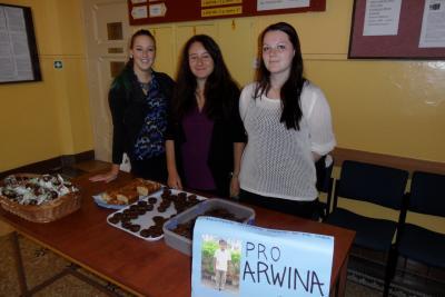 Pečeme pro Arwina: Barbora, Anna a Michaela