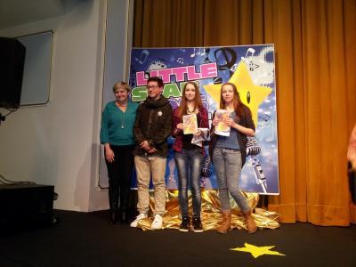 Nikola Marešová ve finále pěvecké soutěže Little Star