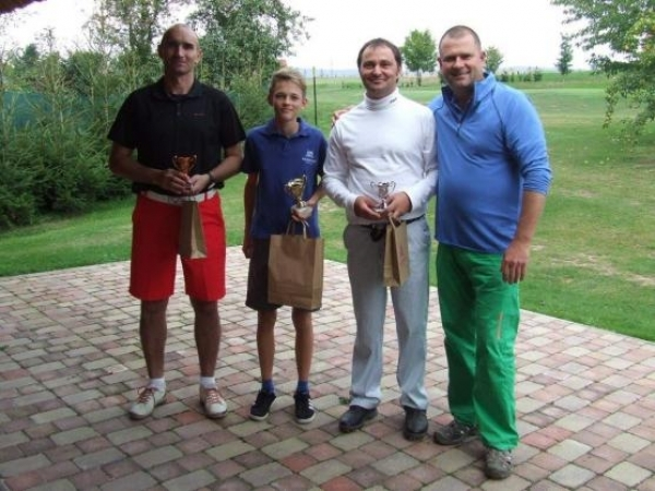 Studují mezi námi:  Golfisté Matyáš Berka a Petra Blažková