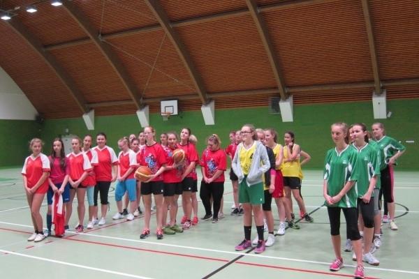 Okresní kolo - basketbal dívek