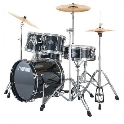Škola má své bicí