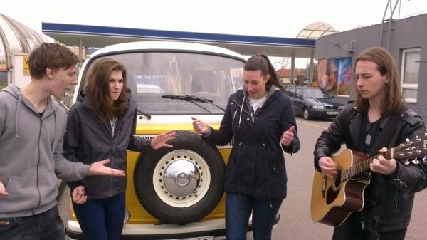 Sledujeme online: Wajnot? On The Road Koncert po benzinkách - aktuálně 14.05 - studentský festival v Břeclav + benzinka Borsch Břeclav.