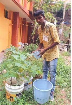 Adopce na dálku: I letošní školní rok budeme sponzorovat indického chlapce Arwina