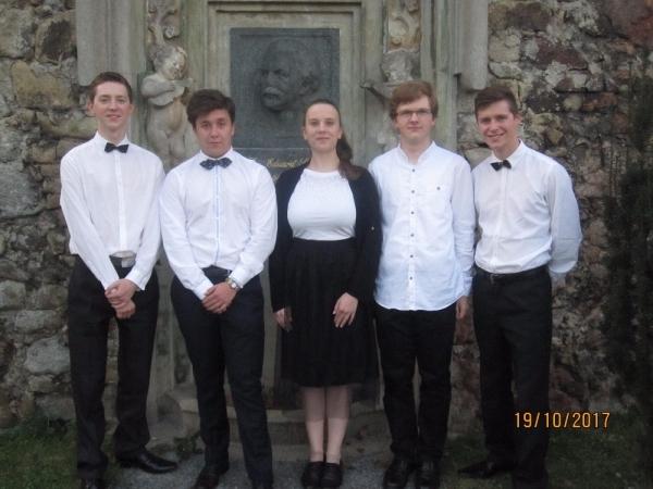 Studují na gymnáziu: Vojtěch Procházka - talentovaný hudebník
