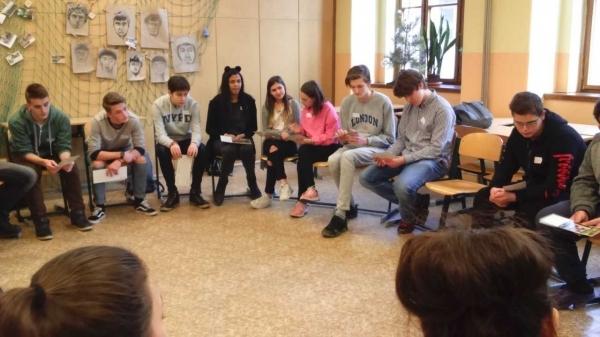 VYMAZAT PAMĚŤ. Žáci kvarty a deváťáci z Hradebky na společném workshopu