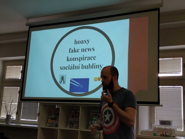 Okénko základů společenských věd: Mediální výchova