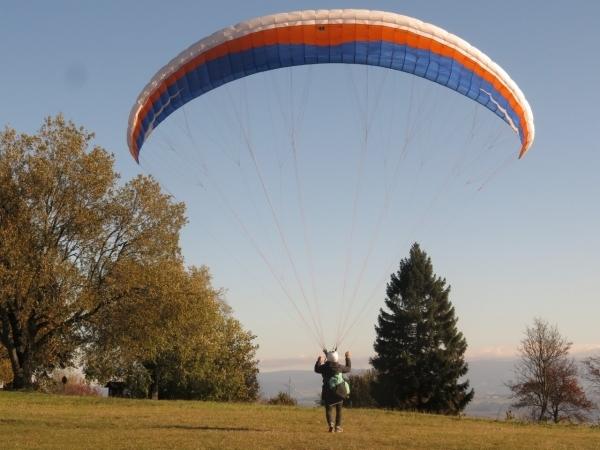 Krkonoše Open Accuracy 2019: - paragliding: Kvido Hadaš 1.místo v týmech, 1.místo junioři, 3.místo napříč kategoriemi