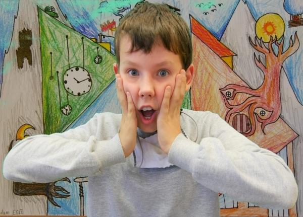 Online výuka výtvarné výchovy: Prima i sekunda použili green screen...