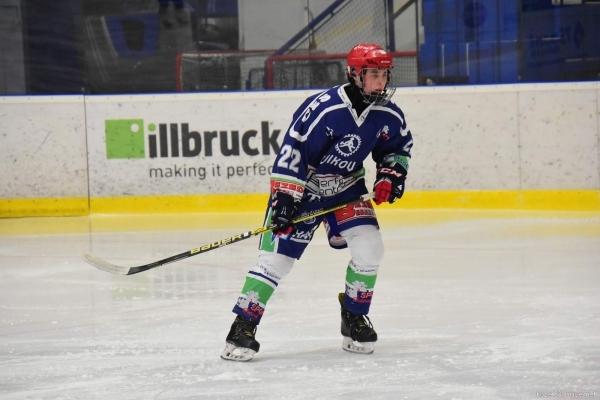 Studují na gymnáziu - Jan Pavelka z 1.ročníku se věnuje hokeji. Je i mistrem republiky v hokejbale.