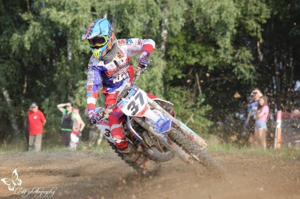 Věděli jste, že Matěj Holub obsadil v motokrosovém Nova cupu 2020 výborné 3.místo ze 44 soutěžících?