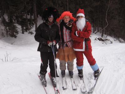 Karnevalové veselí na lyžařském kurzu sekundy