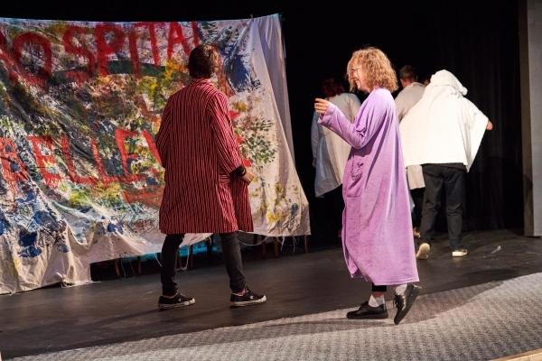 Věděli jste, že Tereza Říhová hraje divadlo?