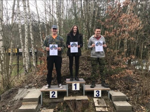 Okresní kolo střelecké soutěže: Bára Lorencová na 1.místě