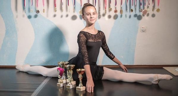Tak jako Baťa seká cvičky….vysekla Daniela Valešová z kvarty několik prvních míst v české kvalifikační soutěži na světové finále v baletu.