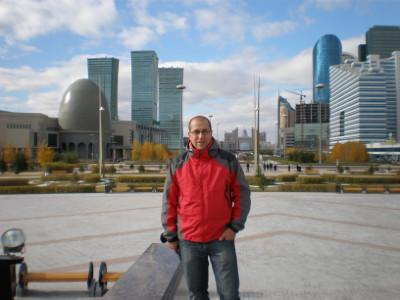 Aleš zdraví rodnou ALMA MATER z kazašských stepí