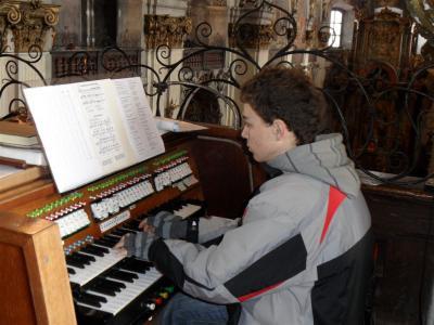 Vánoční koncert a divadlo v klášterním kostele