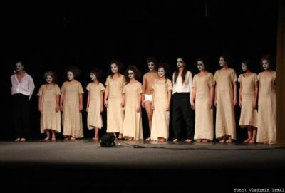 Divadelní představení Kytice na videu